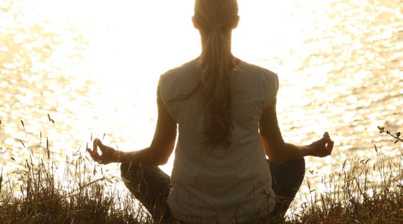 Meditazione e benessere: i benefici della pratica meditativa