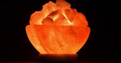 Le lampade di sale rosa Himalayano: proprietà, benefici e controindicazioni